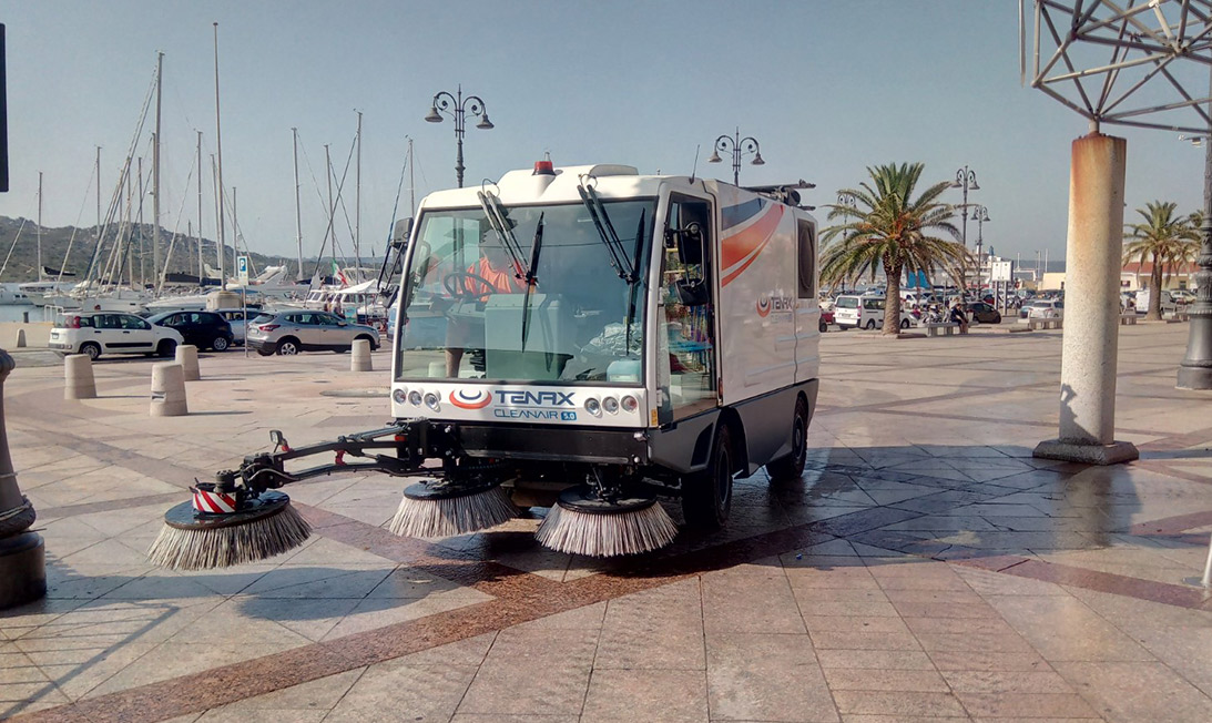 Compact road sweeper Cleanair 5.0