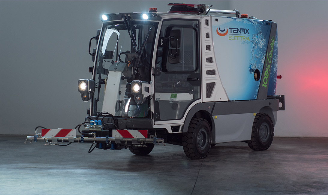 Compact electric street sweeper Electra 2.0 hydro