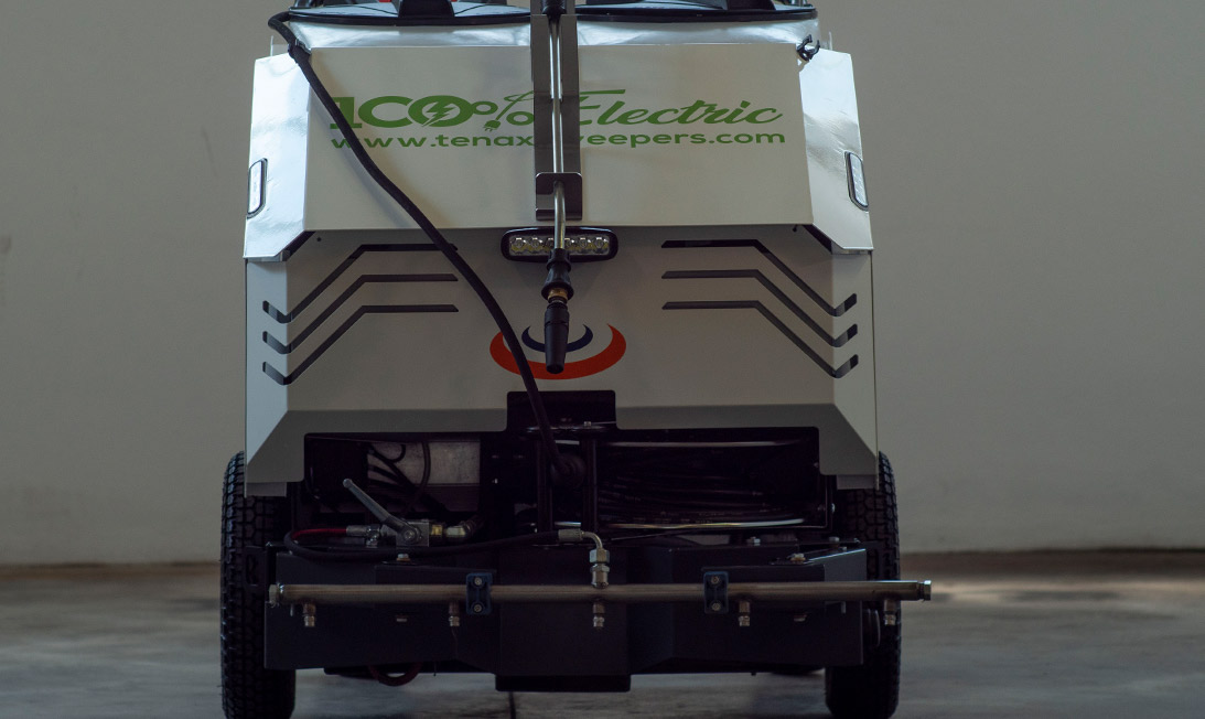 Electric pavement washer Maxwind Hydro back